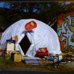 das fertig aufgebaute Zelt mit LED-Installation