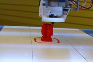 3D-Druck in action, man kann das Ergebnis schon ahnen