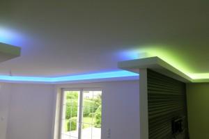 Indirekte Beleuchtung mit RGBW-LED-Streifen