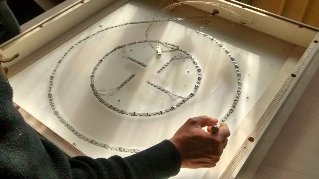 LED Streifen biegen und im Kreis verlegen